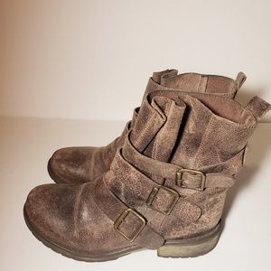 Steve Madden Shoes - Steve Madden Colony Distressed Leather Bootie